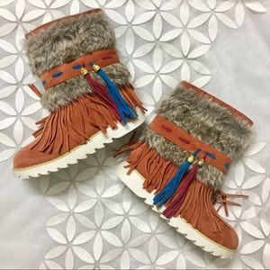 NEW Boutique Boho Style Fur Boots